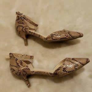 BAMBOO Shoes - EUC tan/black snakeskin pointy-toe strap heels